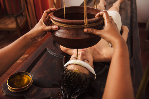 ayurvedic-shirodhara-treatment-india_211251-416